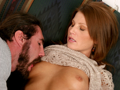 Anilos red head rae rodgers coats a jizz in her saliva before fucking it