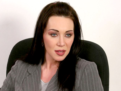 Busty dark haired anilos rayveness gives they can computer guy some excellent cougar pussy