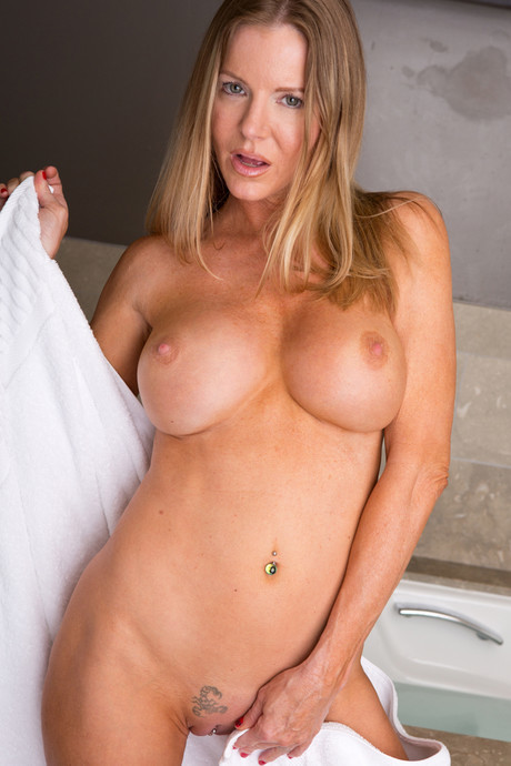 pussy Anilos amber michaels
