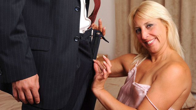 Horny mom blows stud & gets facial
