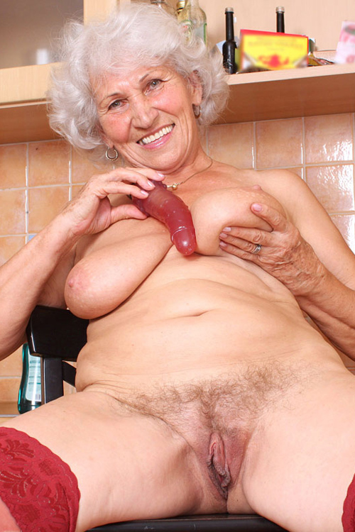80 year old naked woman pictures