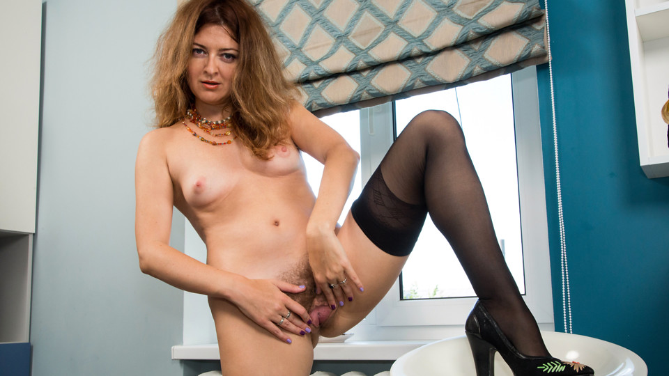 Anilos.com - Naughty Neighbor