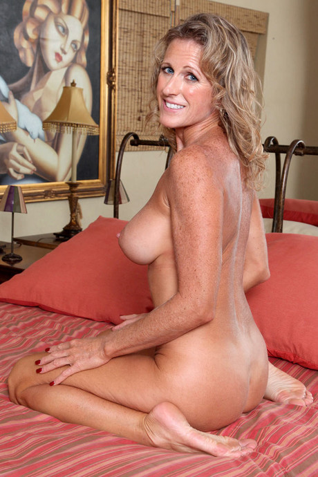 Hot mom jacy andrews experience with pleasurable toys - 1 part 1
