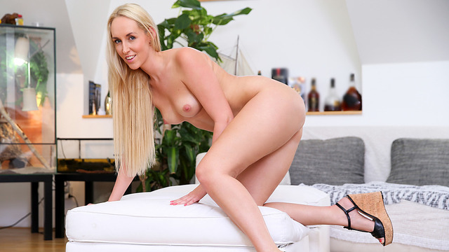 Blonde mommy toy fucks her wet pussy to