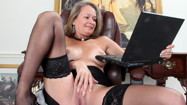 Porn Gets Her Excited - Anilos.com
