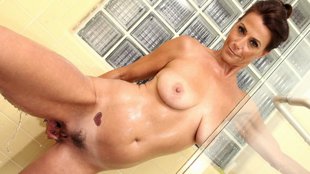 Wet And Horny - Anilos.com