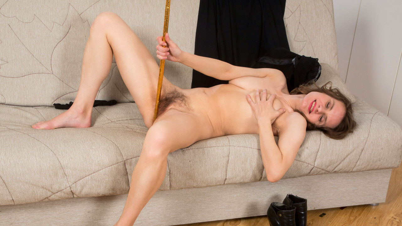 Anilos.com - Princess Mustang: Teasing The Clit