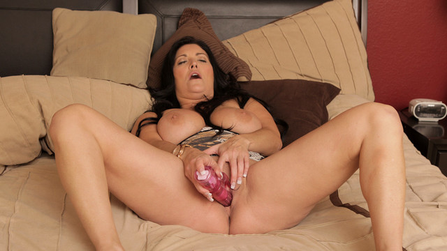 Fun Times With Her Toy - Anilos.com