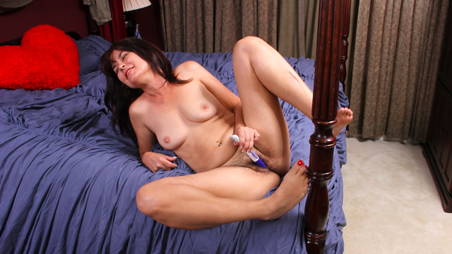 Bedroom Antics - Anilos.com
