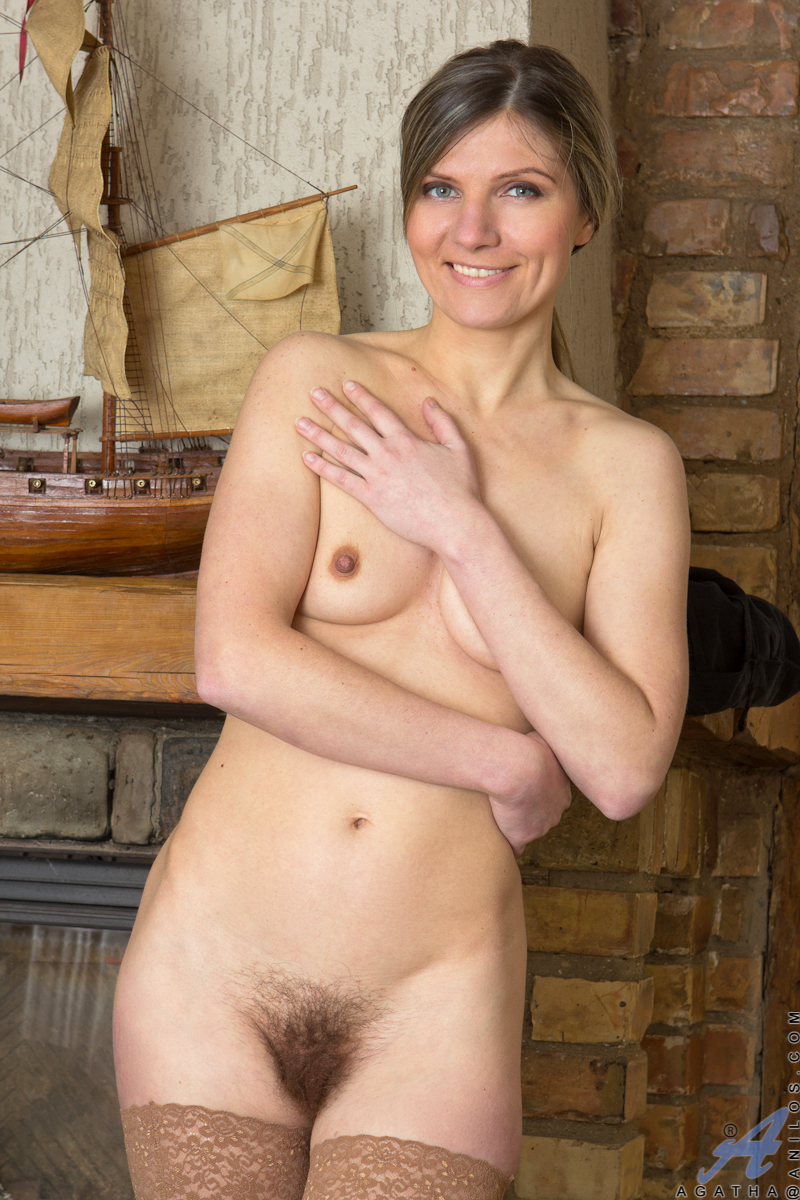 hot cowgirl moms nude showing pussy