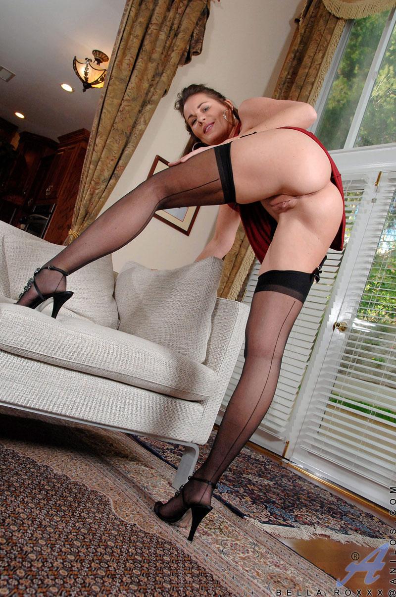 ebony milf takes young cock