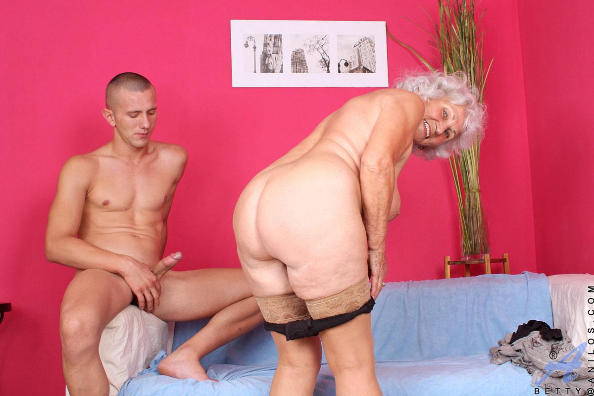 смотреть порно бабушки и дедушки