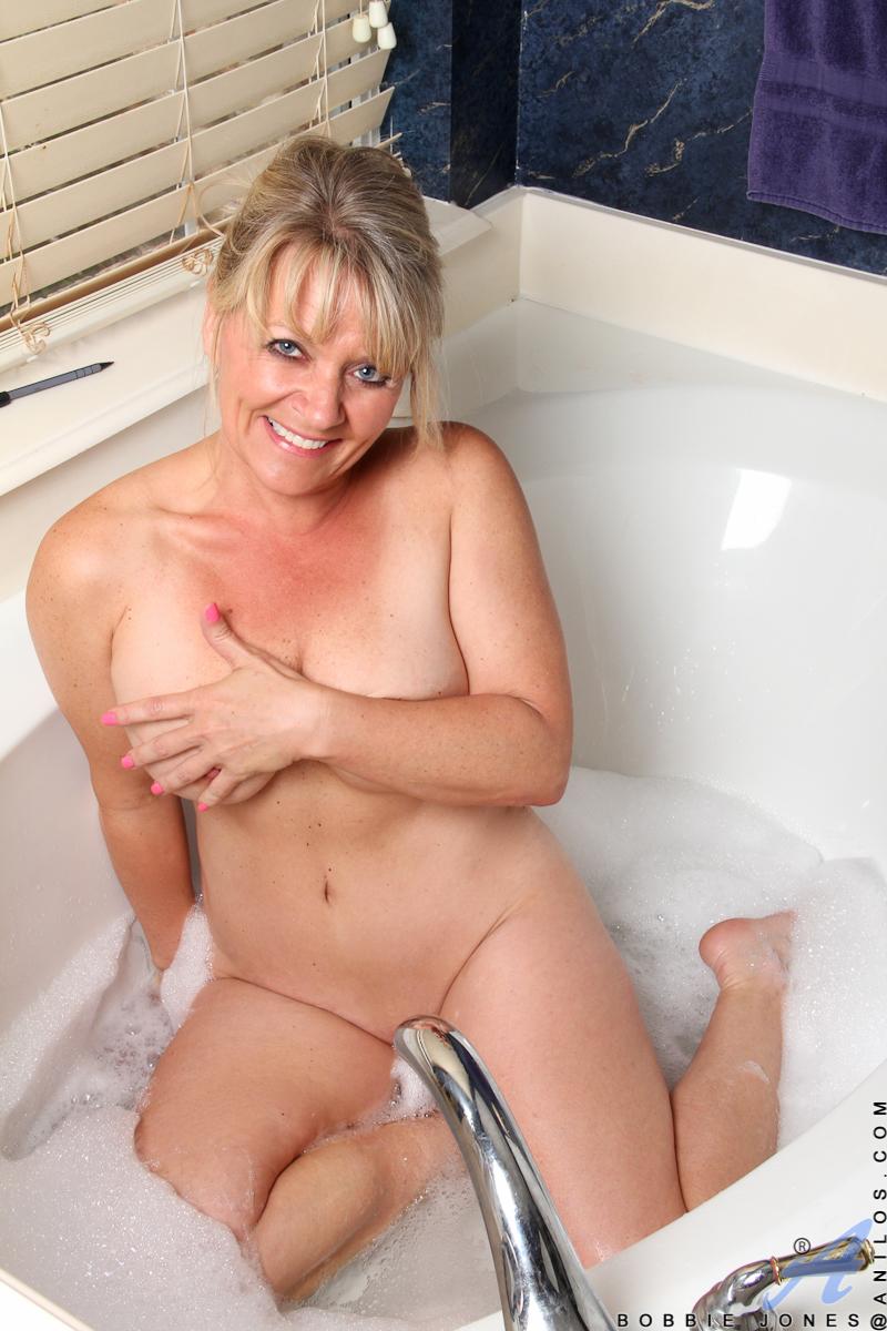hot sexy nude mom