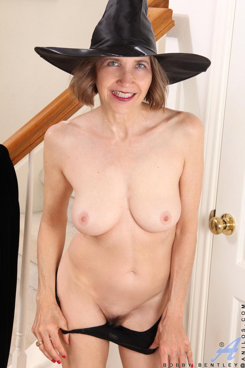 mature porn nude