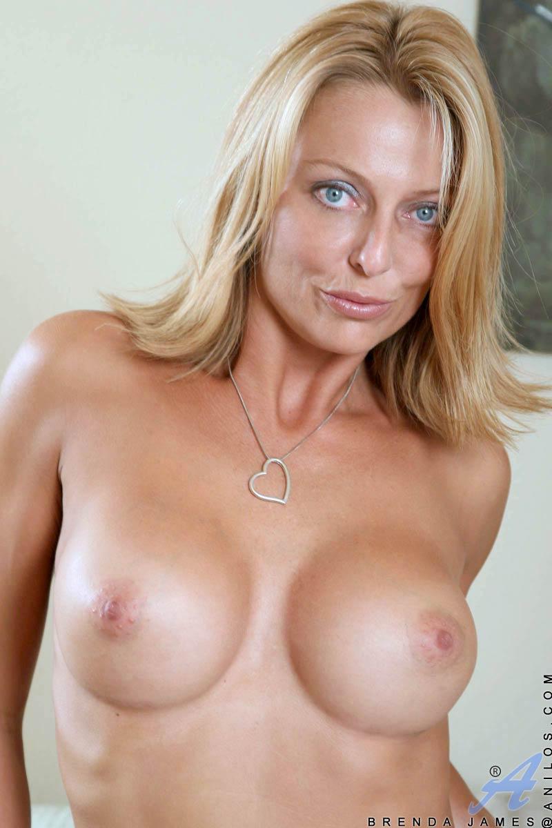 Jennifer toastee nude pics