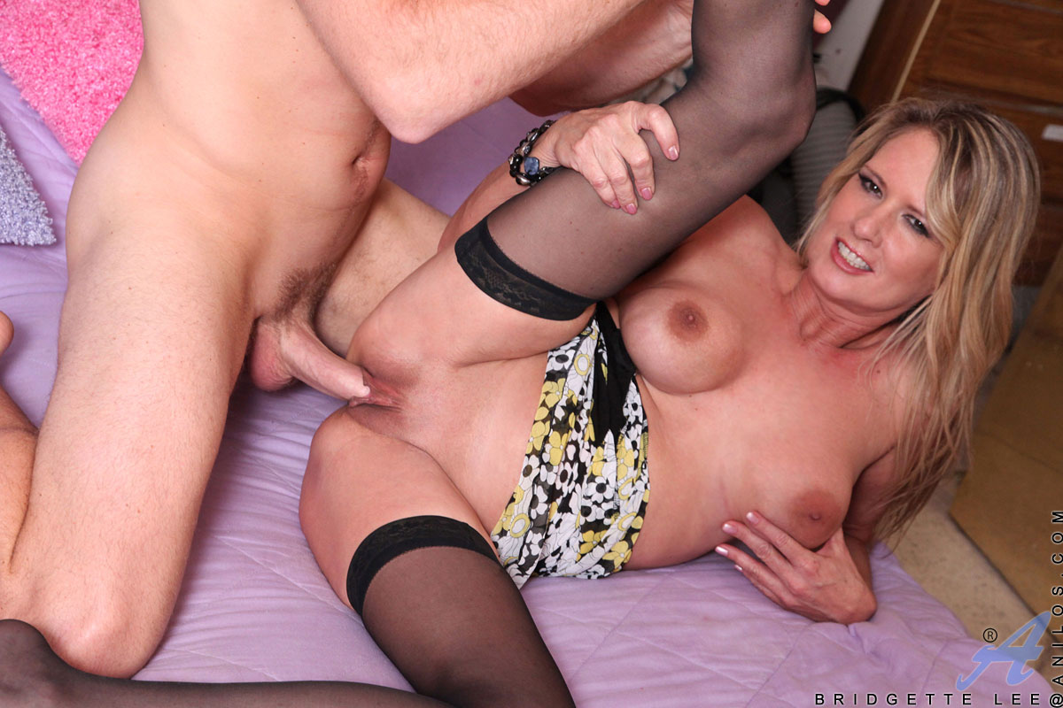 Luscious cougar Bridgette Lee begs to get fucked deeper and harder so she can cum before getting a taste of your jizz
