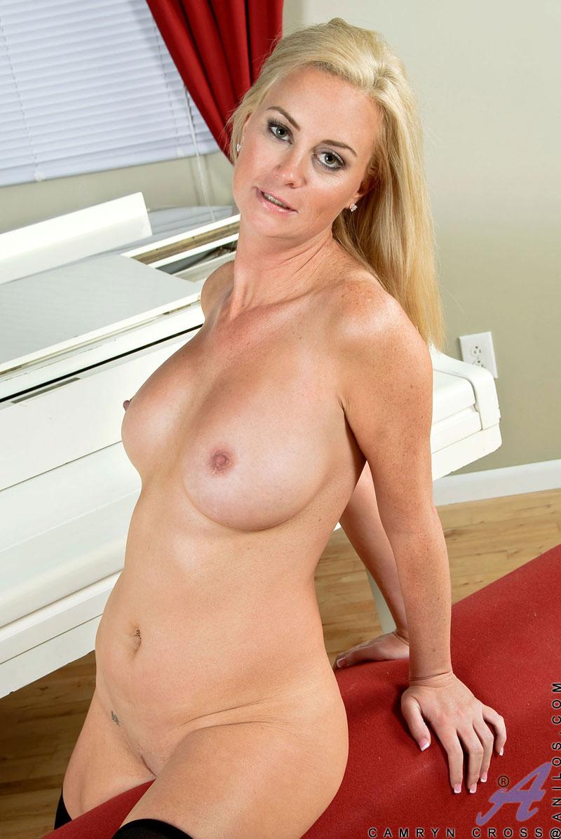 roselyn sanchez naked pic