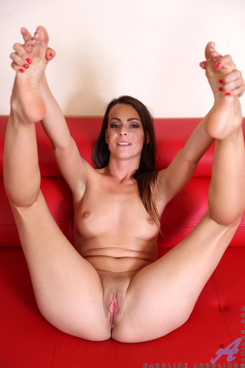 Anilos - Horny Housewife Featuring Caroline Ardolino Photos-3743
