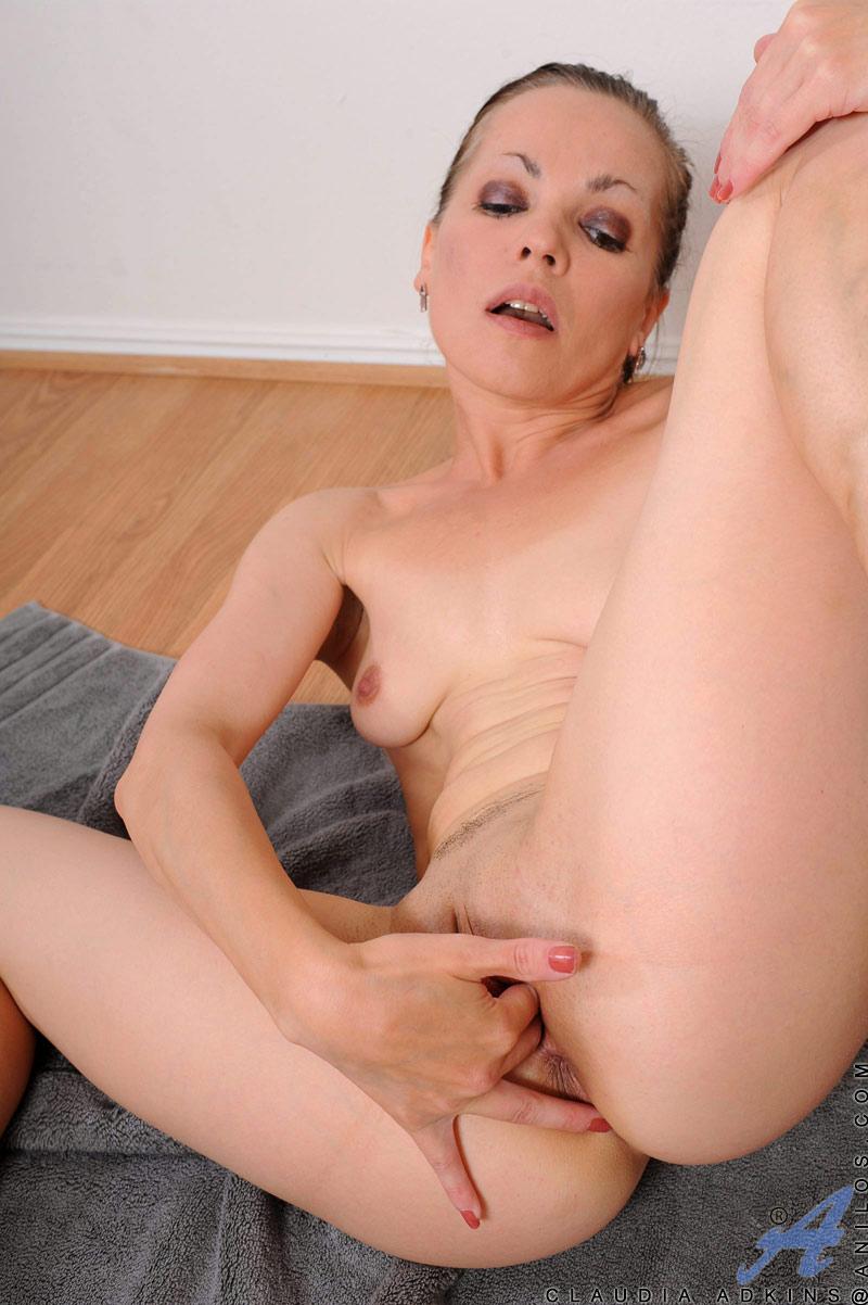 older women exercising nude