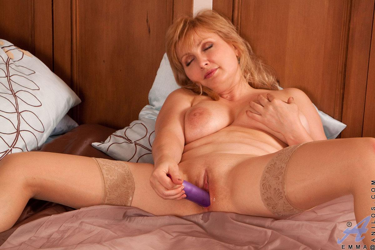 porno-video-zrelie-masturbiruyut
