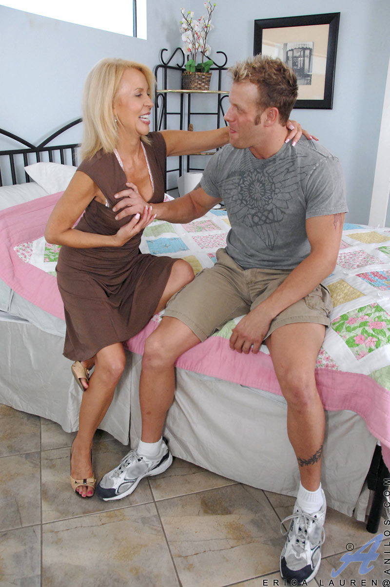 Hot mature Erica Lauren invites a hot stud in her house to fuck her in till she explodes in orgasms