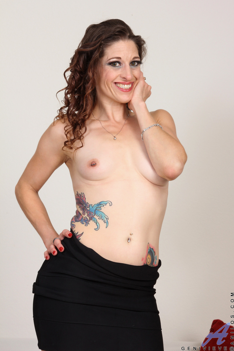 Genivieve is a stunning American hottie who can't wait to show you how she likes to be touched. This horny mama is all woman as she shows off her all naturals. When she rolls her panties down her hips and puts that bare cooch on display, you'll want to di