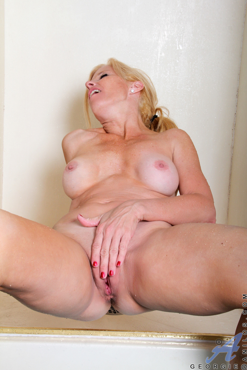 Big pusy clit