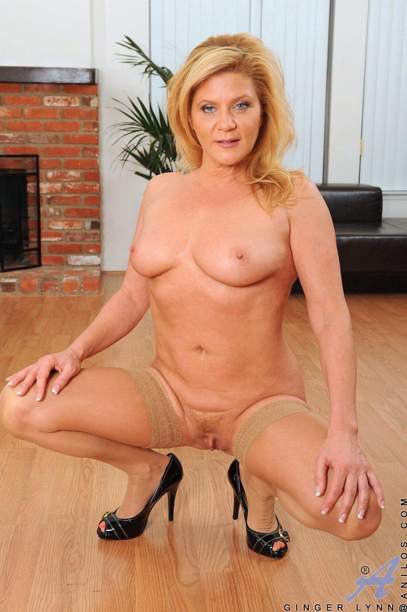 nude mature model gallery
