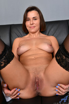 Preview Anilos - Hot Housewife