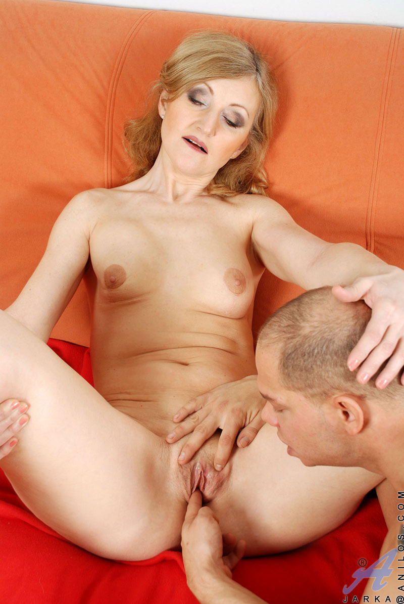 www mature wives com