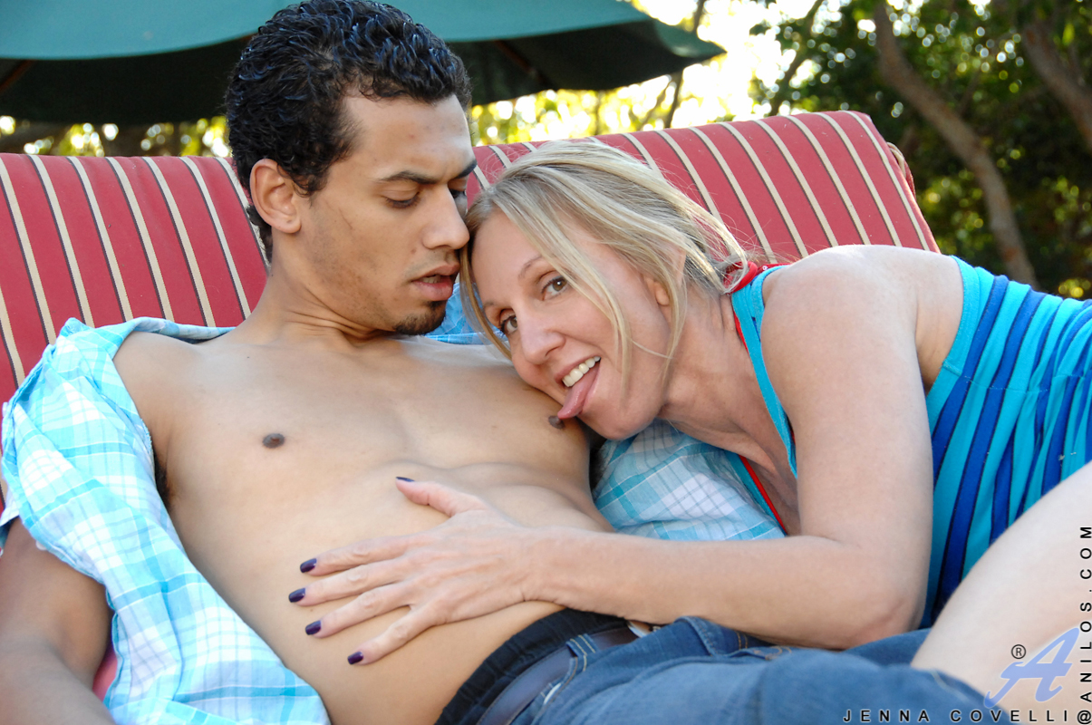 Bigtit mature mom gets her enormous nipples suckled by the pool guy and takes his creamy load deep in her fucked pussy