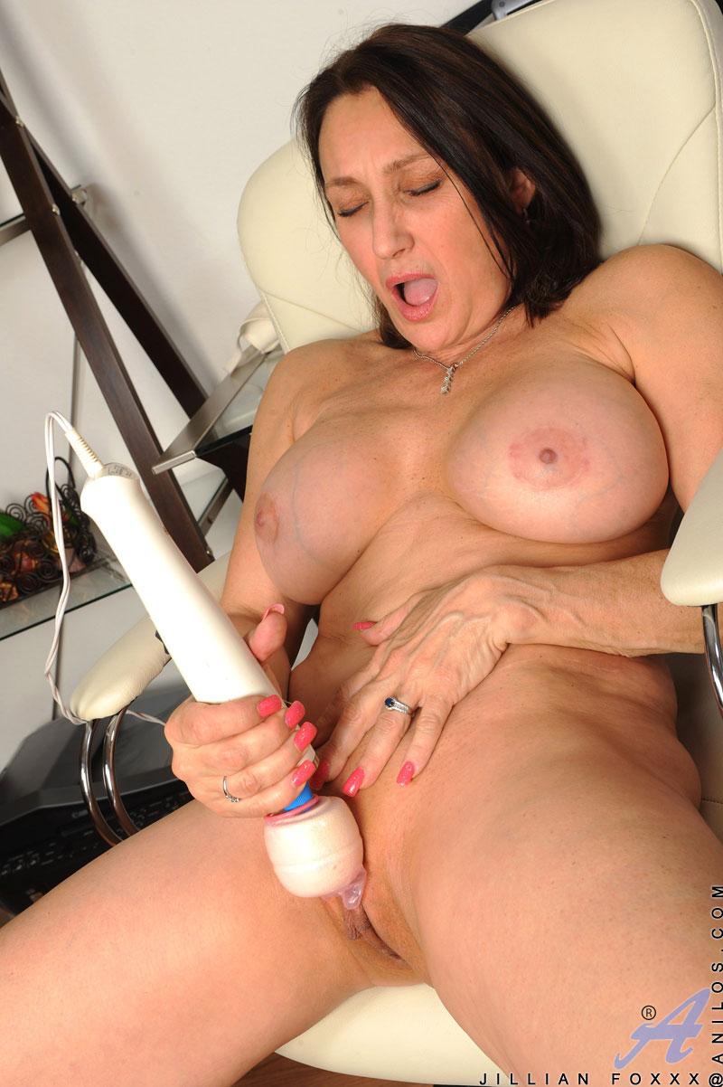 Horny wife naked handjob