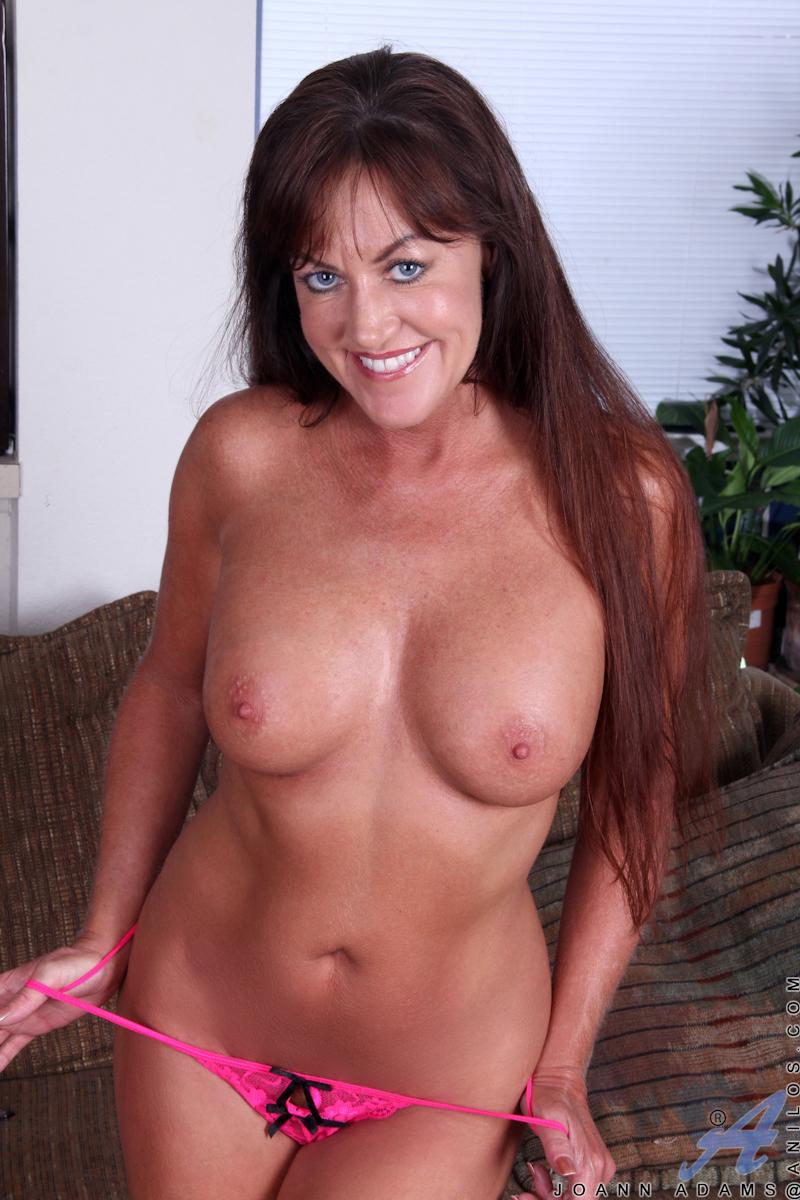 free nude mature females