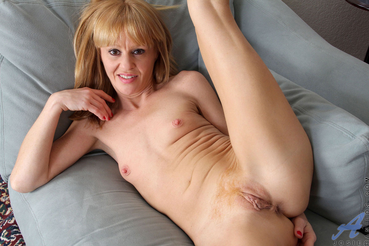mature women in hd