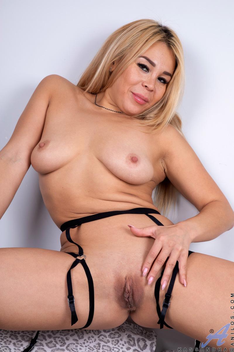 Anilos.com - Kassandra: Ready To Play