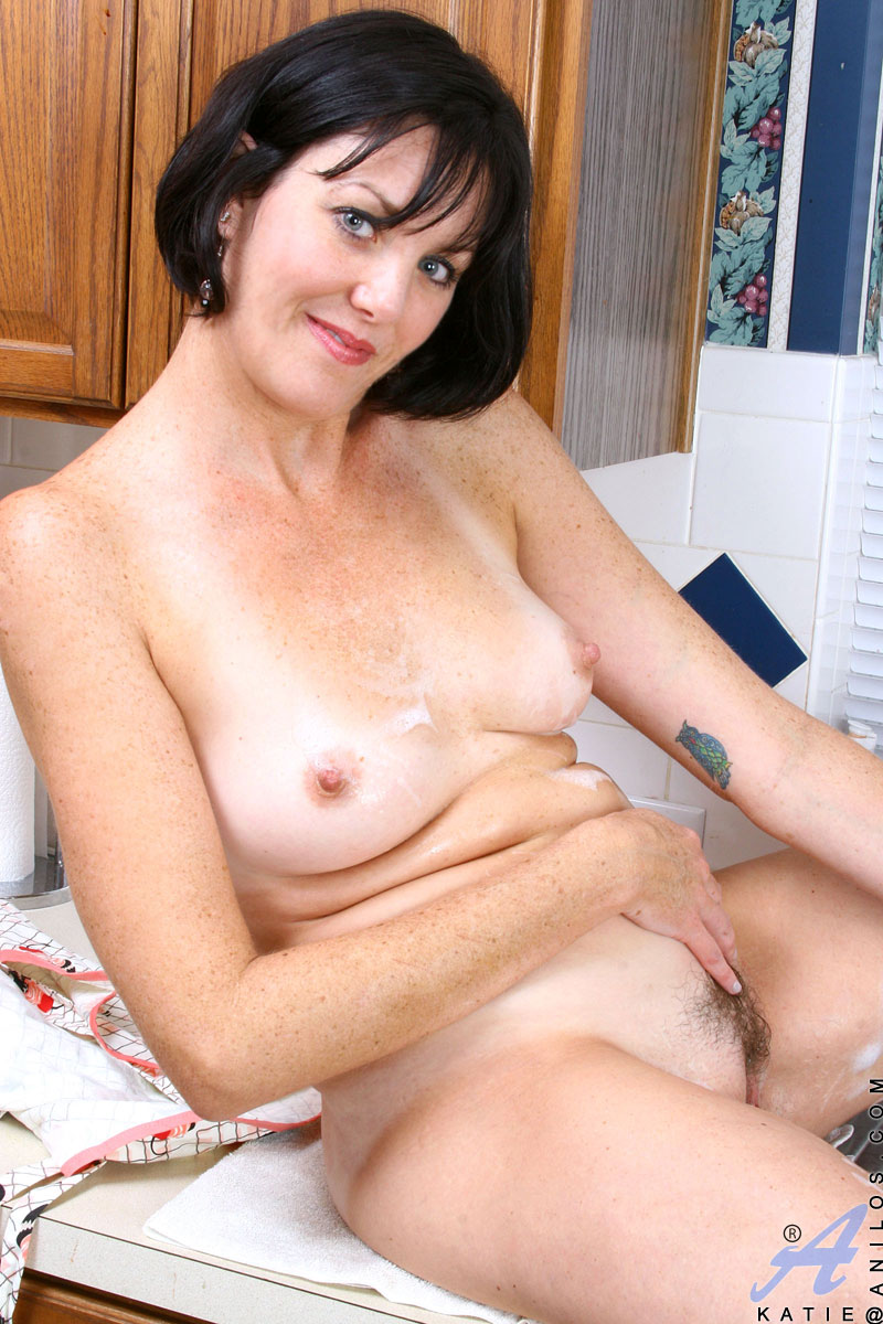 naked mature females