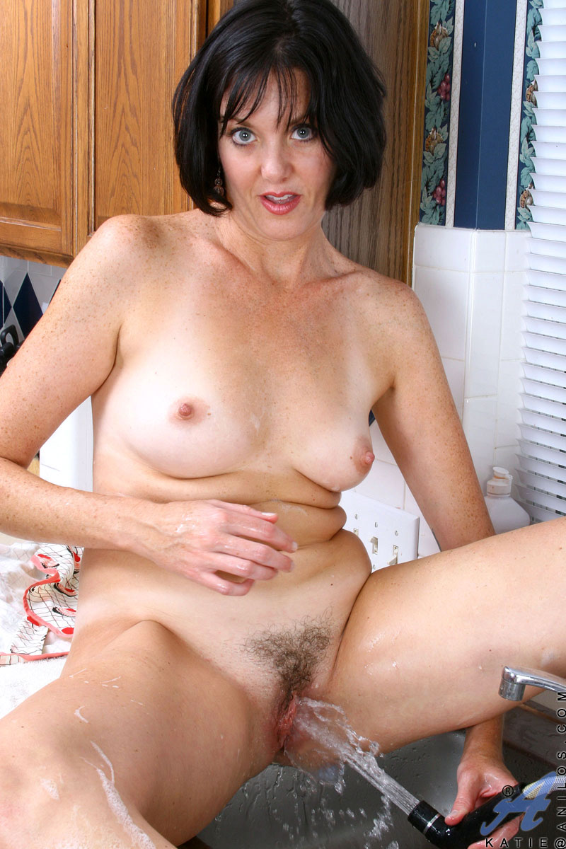 Horny housewifes naked — photo 13