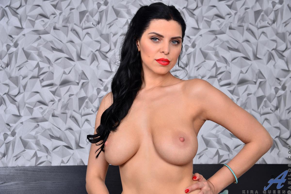 Anilos.com - Kira Queen: Beautiful Boobs