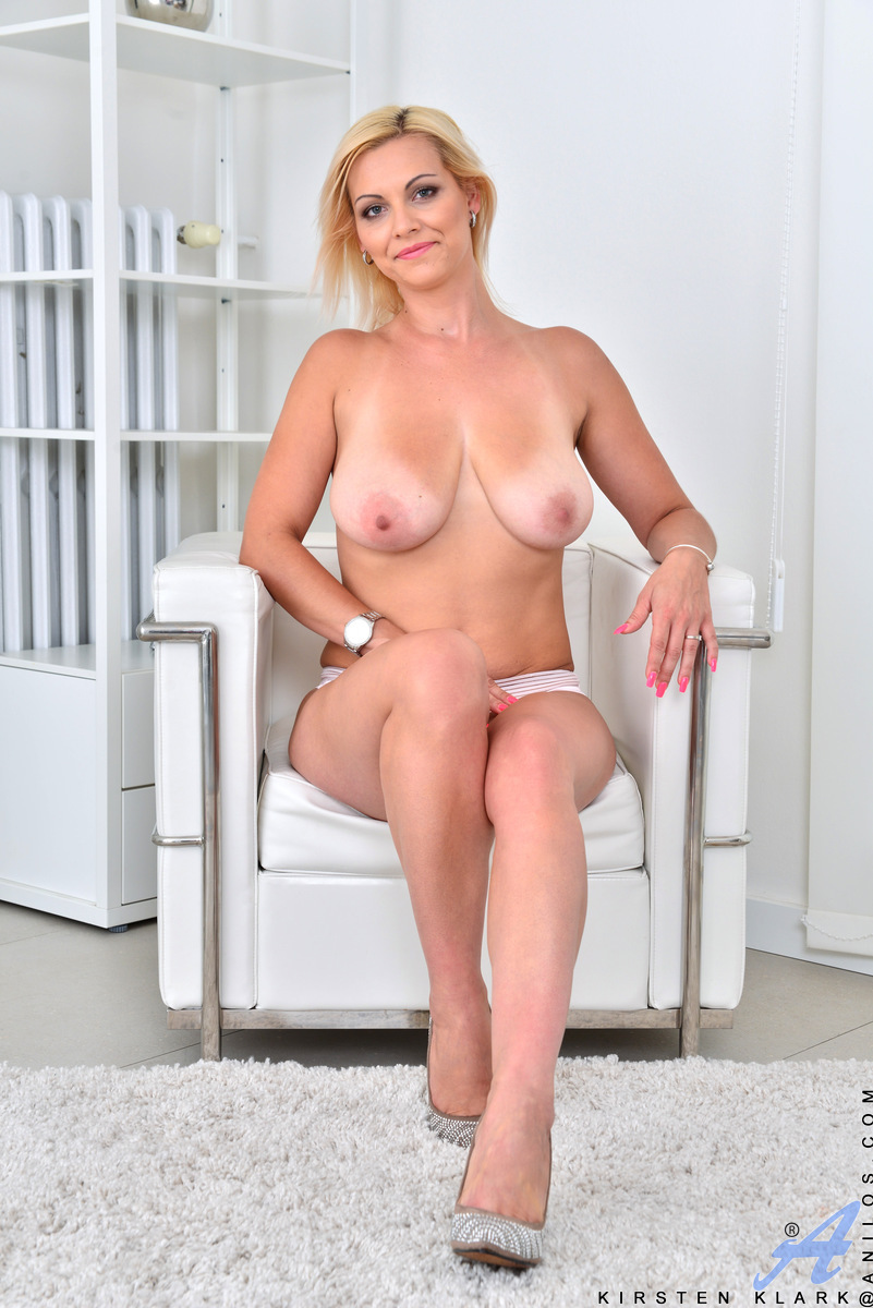 mature women sex act pictures