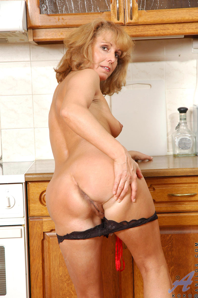 mature women butt