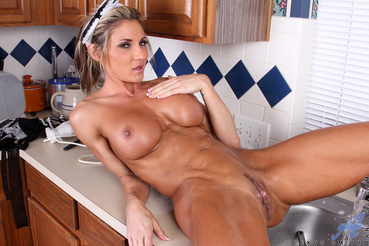 hot fitness mature women nude