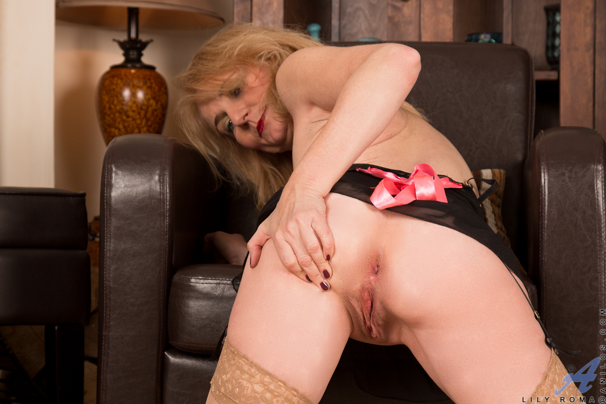 Anilos.com - Sample Mobile Picture Gallery with Lily Roma ...