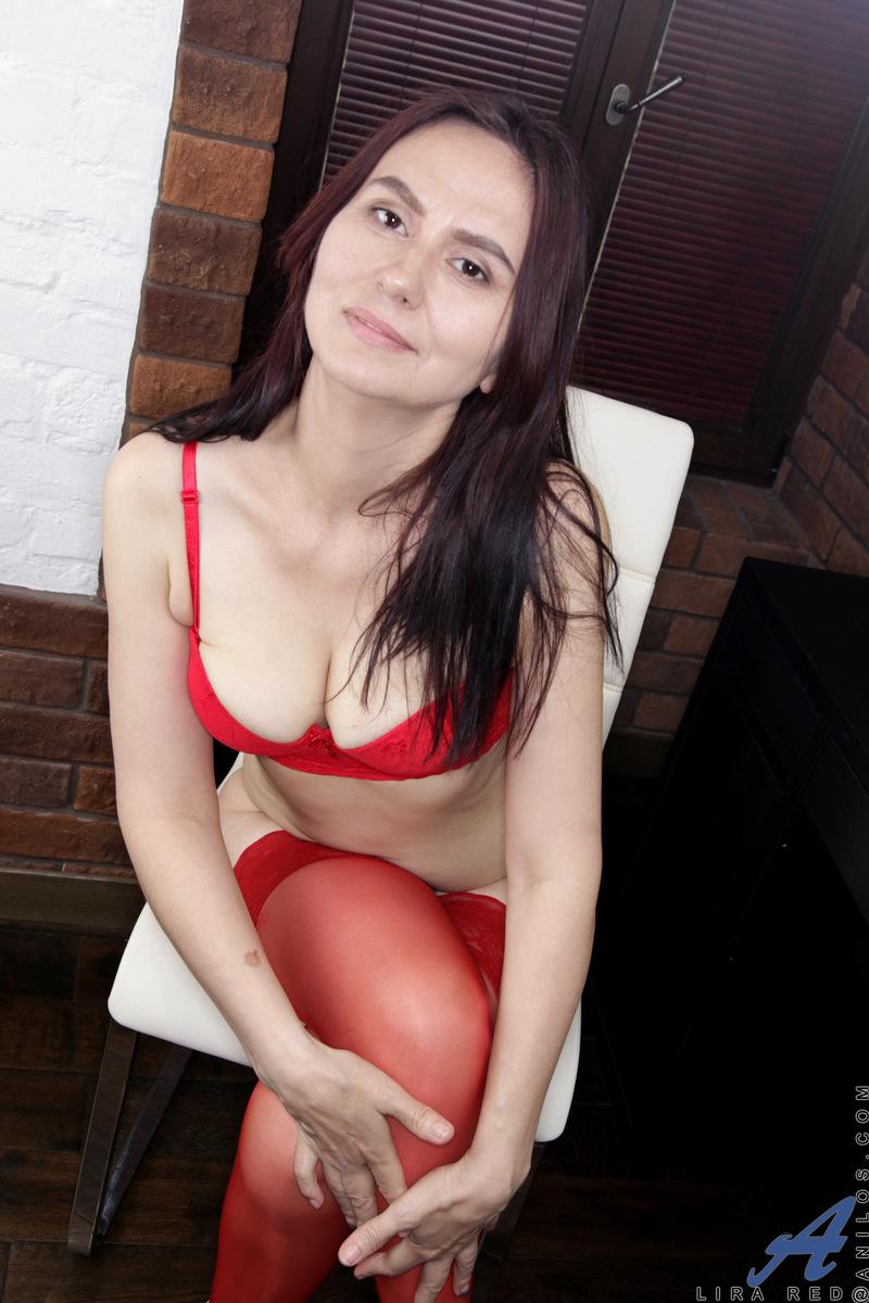 Anilos.com - Lira Red: My Favorite Lingerie