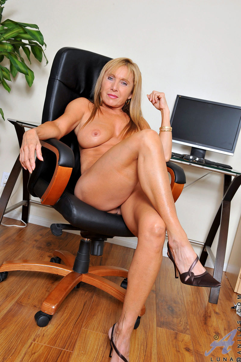 school girl secretary pussy