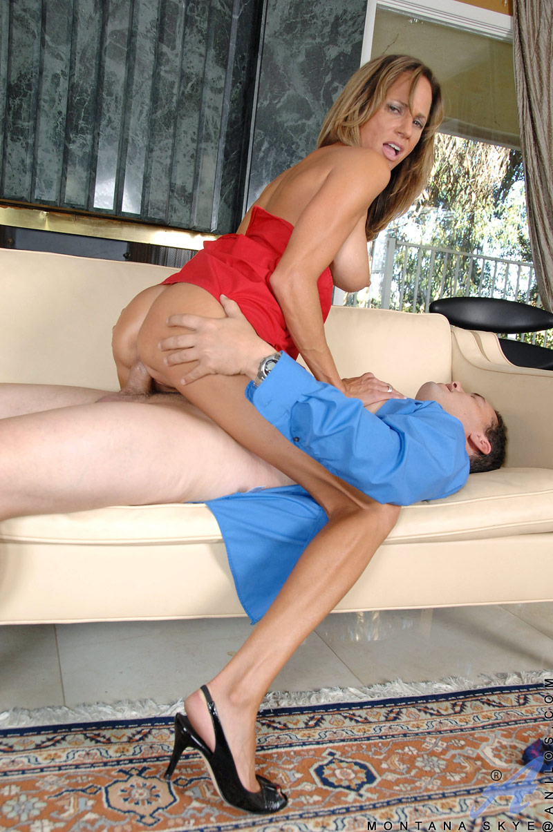 Horny cougar mom uses this hunk stud for a cowgirl-style fuck and gets a jizz-load on her bald snatch
