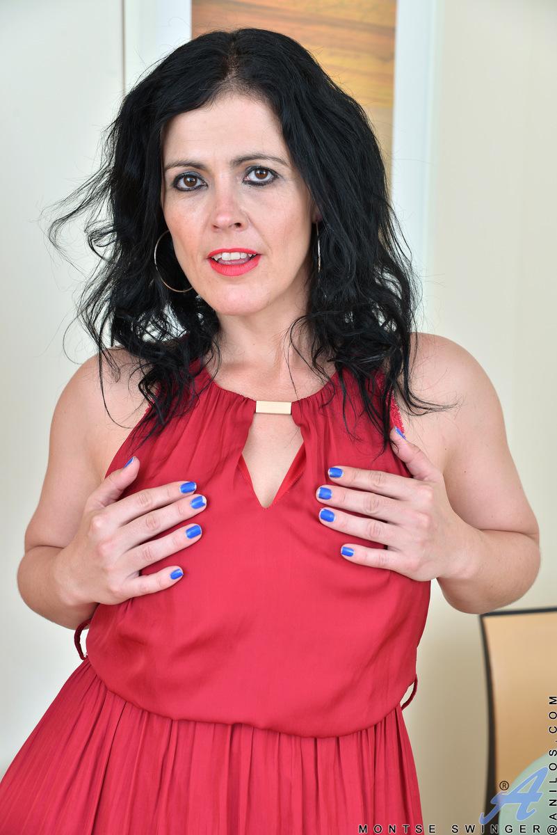 nude-bihari-cox-mature-swinger-lengeriesexy-feets-photos
