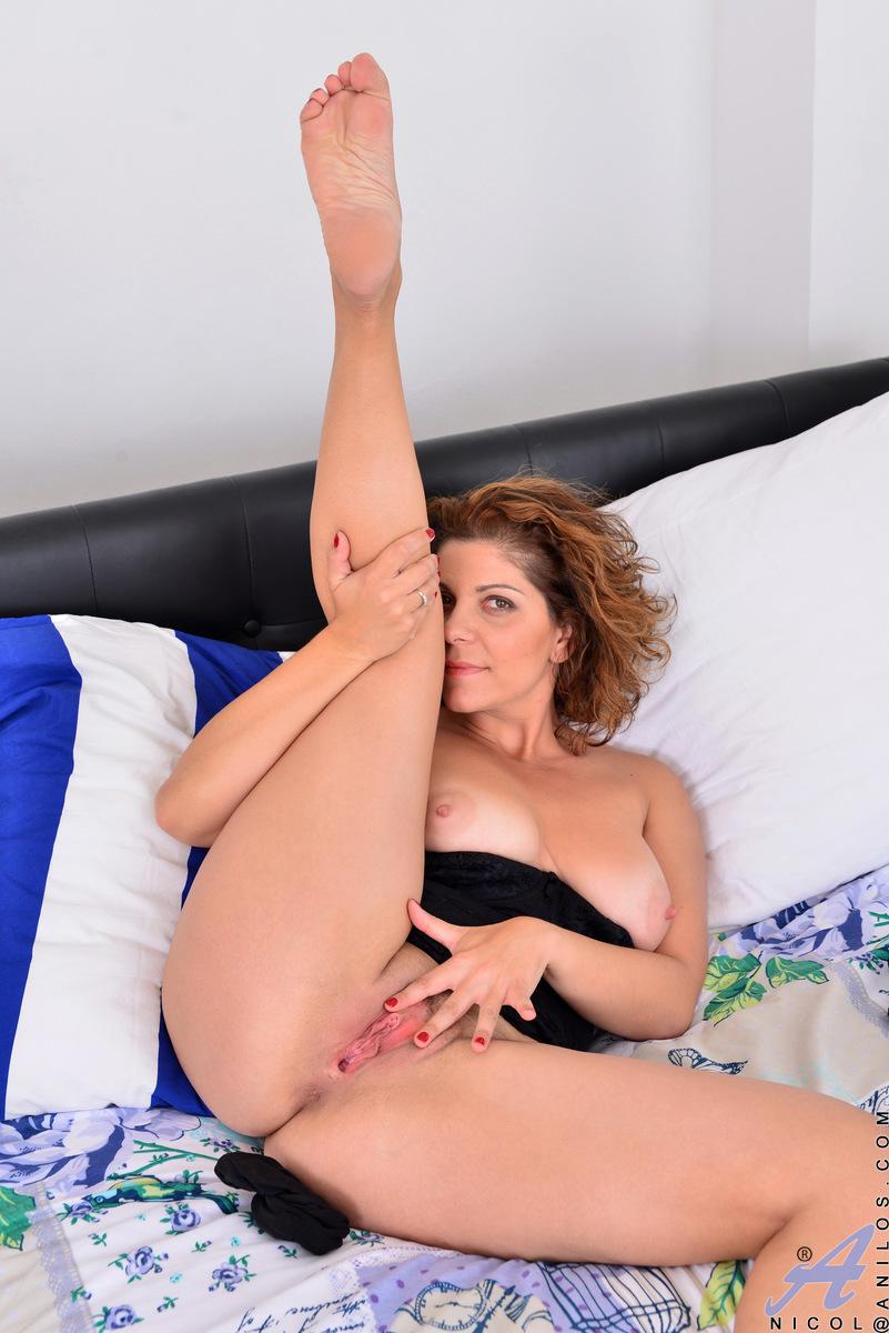 Anilos - Natural Tits Featuring Nicol Photos-8324
