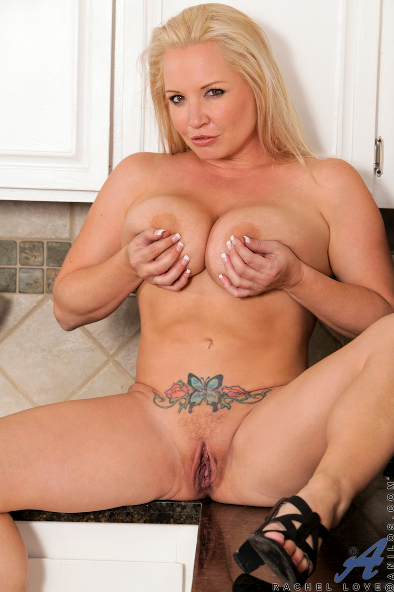 naked cougar women