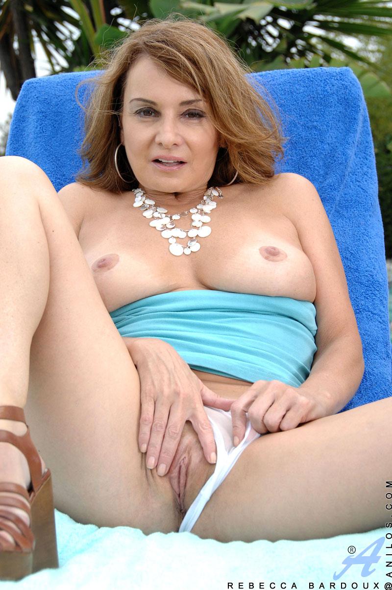 rebecca bardoux nude photos