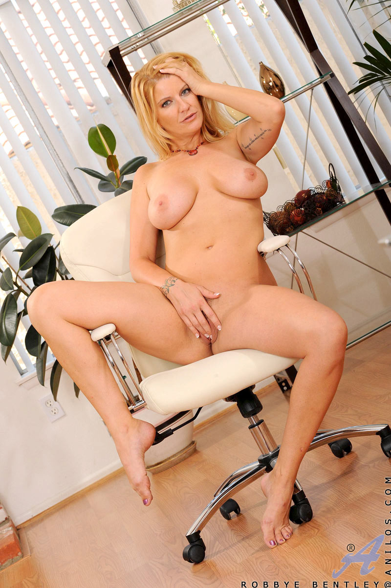 Blonde milf hand job first time this